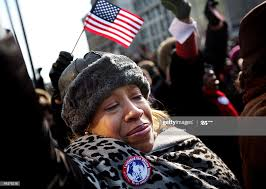 Lakisha Smith reacts while watching the inauguration of Barack Obama...  News Photo - Getty Images
