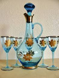romanian hand blown glass decanter and 5 glasses with gold design