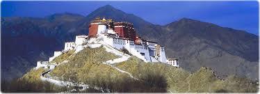 Resultado de imagem para fotos ou imagens do Templo de Jokhang, em Lhasa, capital do Tibete