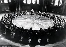 circular gathering richard harris as arthur with the knights of the round table in the
