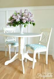 small round pedestal kitchen table luxury design small pedestal dining table round with stenciled doily top