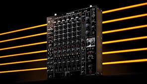 <b>Pioneer</b> DJ анонсировала новый <b>микшерный пульт</b> DJM-V10