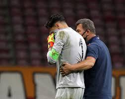 Gaziantep FK kalecisi Günay Güvenç gözyaşlarını tutamadı - Yeni Şafak