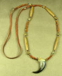 single bear claw necklace with riverstone beads
