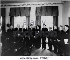 Treffen mit der Delegation des Ökumenischen Rates der Kirchen. Bp. G. Bach  Mosely, Sec. Dean Rusk,,