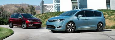 2018 chrysler town and country vs pacifica. wonderful chrysler 2017 chrysler pacifica intended 2018 chrysler town and country vs pacifica o
