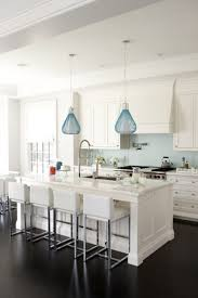 eningg pendant lights over kitchen island height to hang above