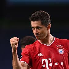 In 295 games, robert lewandowski managed to score the incredible number of 257 goals for fc bayern munich. Fc Bayern Robert Lewandowski Tor Rekord Und Dann Abschied Nach England Fc Bayern