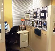 how to decorate your cubicle, chic spaces