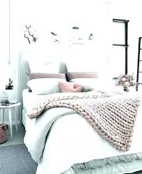 decorating bedroom with white walls – dzonatanlivingston.me