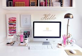 9 Vibrant Ways To Decorate Your Desk - SELF