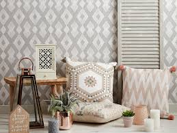 floor patterns to try in tiny rooms