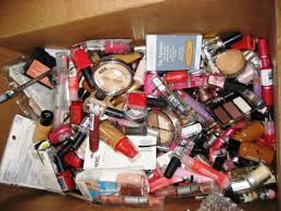 orted cosmetic lots wm