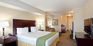 Holiday Inn Express  Suites Seattle North Lynnwood Hotel By IHG - Seattle hotel suites 2 bedrooms