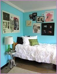 dorm wall decor ideas the home design dorm wall d cor steps for