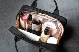 so when i unexpectedly found this make up bag in the at muji i knew it would be perfect
