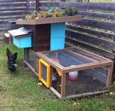 Chicken Coop Roof Design Eco Friendly Chicken Coop Constucted By Barley Pfeiffer