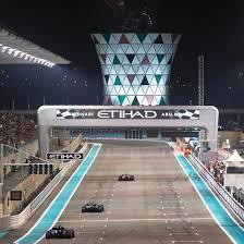 Yas Marina Circuit In Abu Dhabi Einmal Fühlen Wie Ein F1 Fahrer