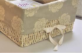 Os cestos de palha são naturais, versáteis e combinam com vários estilos de decoração. Cestos Na Decoracao