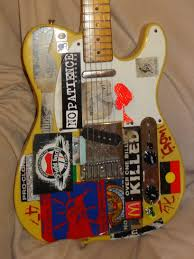 hard tail strat vs tele it has a toploading bridge six adjustable bridge pieces apparently it came from the factory that as you can see in this photo