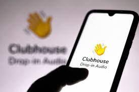Clubhouse كلوب هاوس ما هو ولماذا أنتشر بهذه السرعة في كل انحاء العالم؟