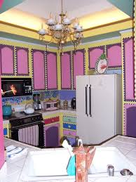 Alice In Wonderland Kitchen   SO COOL. Love It.