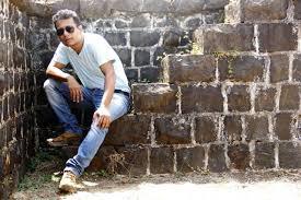 imitating stars is foolhardy ashish shankar 34 photographer kolhapur