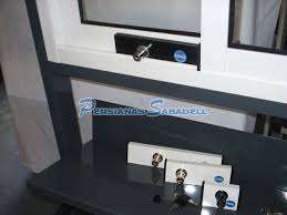 Cambiar Ventanas De Aluminio PVC Y Madera De Casa GUÍA ÚTILSeguros Para Ventanas De Aluminio