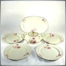 glass dishes set red