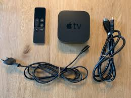 Apple TV HD 4eme génération + HDMI cable