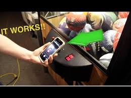 Cell Phone Vending Machine Hack Enchanting How To Get FREE Plays AT THE ARCADE CLAW MACHINE IT WORKS
