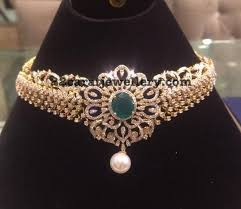 18 carat gold diamond choker can be used in multiple ways studded with rose cut diamonds detachable pendant embellished in the center