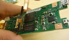 teardown of ricoh theta degree spherical panorama camera xueming battery contacts on the mother board the battery is actually riding on top of the