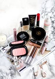 what s in my makeup bag august