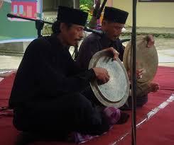 Dimana tradisi di ranah minang merupakan bagian dari budaya nusantara yang tidak bisa dipisahkan sampai kapan pun. 18 Alat Musik Tradisional Sumatera Barat Beserta Gambar Penjelasan