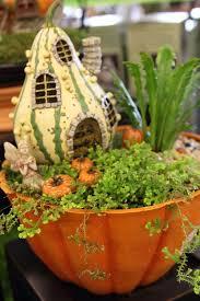 pin de prairie gardens en fairy gardening autumn fairy miniature fairy gardens y prairie garden