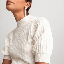 <b>Пуловер</b> с <b>круглым</b> вырезом, короткие рукава с напуском, тонкий ...