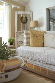 Best 25+ Farmhouse daybeds ideas on Pinterest   Rustic daybeds ...