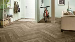 direction of hardwood flooring