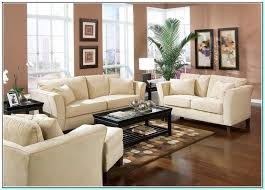 Perfect Ideas To Decorate A Big Living Room Wall