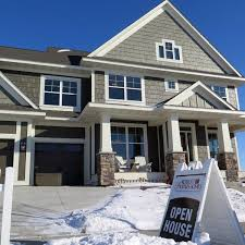 Twin Cities home builders see signs of life in high-end housing | MPR News