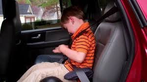 kids in booster seats