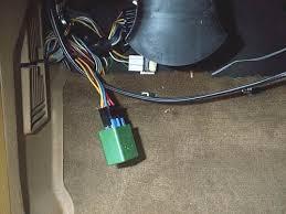 volvo adventures how to fix a fuel pump relay fuelpumprelaylocation jpg 29561 bytes