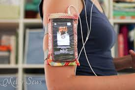diy armband case for touchscreen devices a tutorial by melly sews