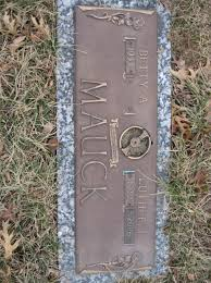 """Luther Lee """"Nute"""" Mauck (1932-2006) - Find A Grave Memorial"""