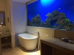 hotel h2o bathtub