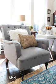 fall living room decor. get these tips to transition your living room from summer fall décor. this decor