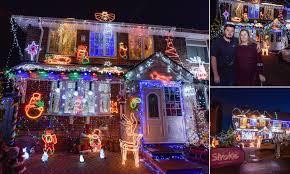 Christmas Lights Birmingham 2017 Birmingham Teen Covers House In Christmas Lights Daily