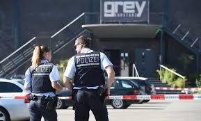 المانيا - إصابة عشرة أشخاص إثر اقتحام سيارة لمحطة حافلات