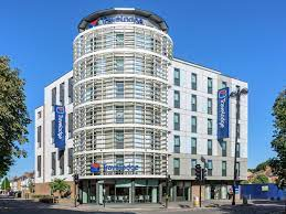 Check out tripadvisor members' 1,073 candid photos and videos of landmarks, hotels, and attractions in hounslow. Travelodge London Hounslow Hotel Deals Photos Reviews